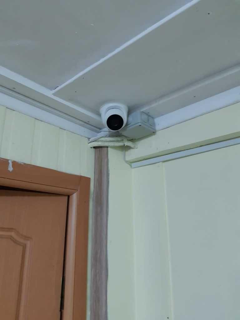 Установка внутренней камеры HD-TVI DS-T203A HiWatch